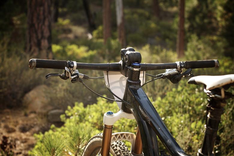 Adam Craig's Trance X 29er Flatbar Cockpit - corytepper.com - Mountain Biking Pictures - Vital MTB