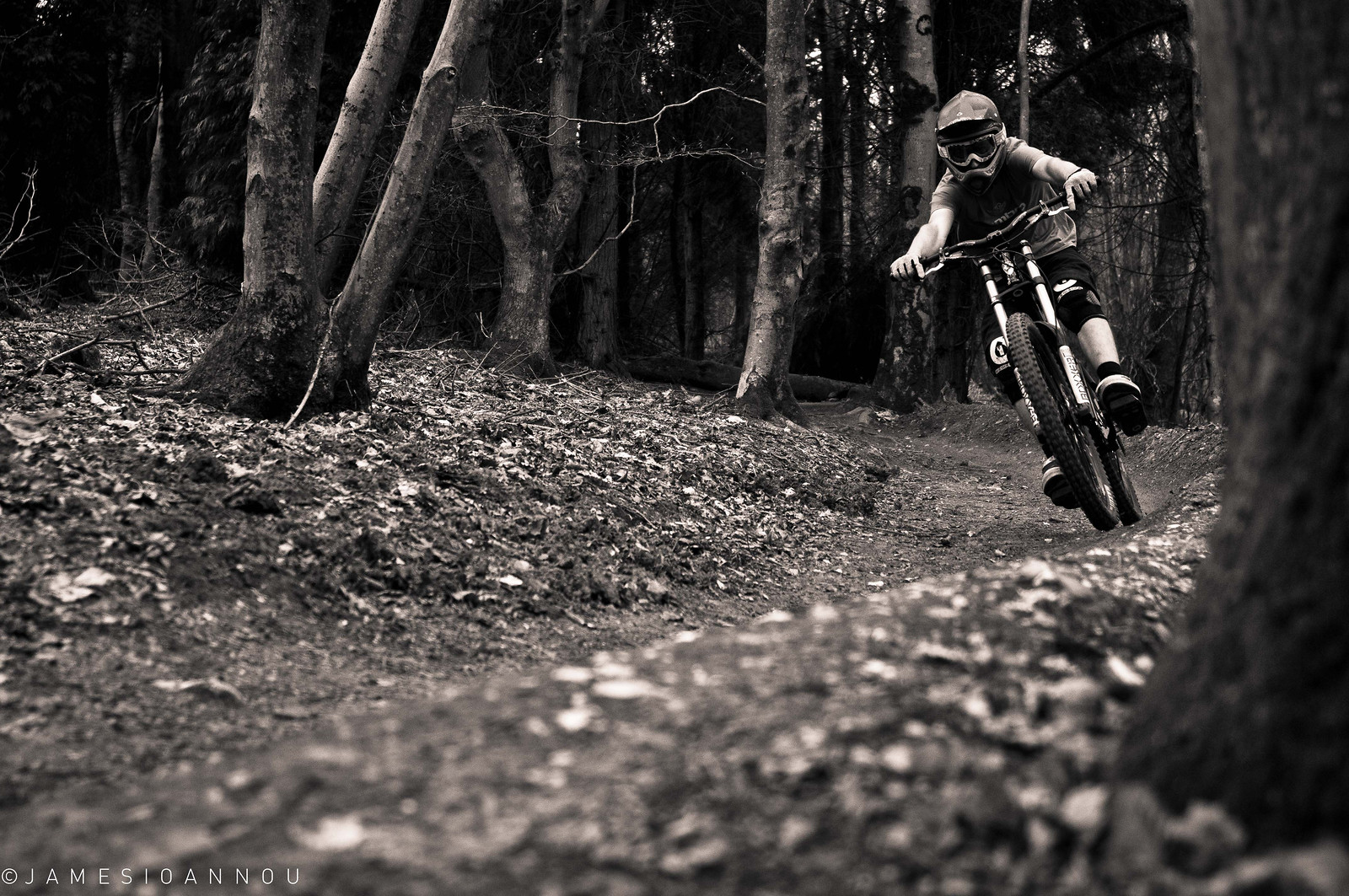 Rob Schaverien - James Ioannou - Mountain Biking Pictures - Vital MTB