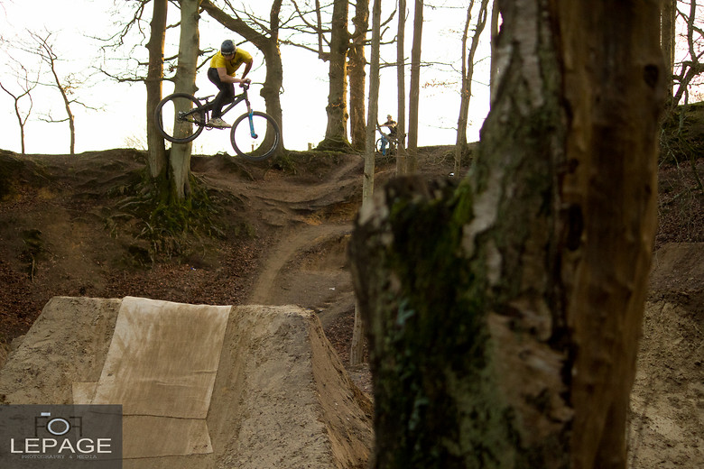 Sam Reynolds - Whip - Declan_Lepage - Mountain Biking Pictures - Vital MTB