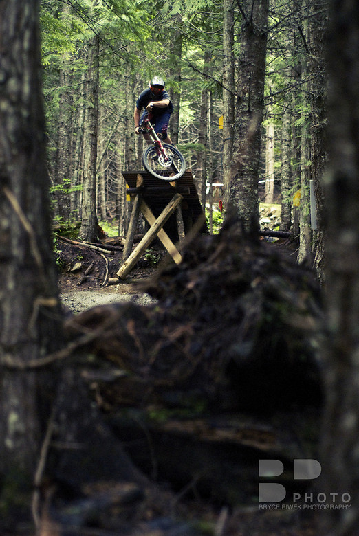 Fade to Black - E.Wong - Mountain Biking Pictures - Vital MTB