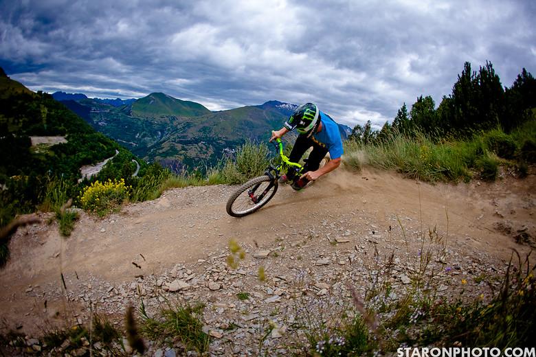 Sam Pilgrim , L2A France - Piotr_Staroń - Mountain Biking Pictures - Vital MTB