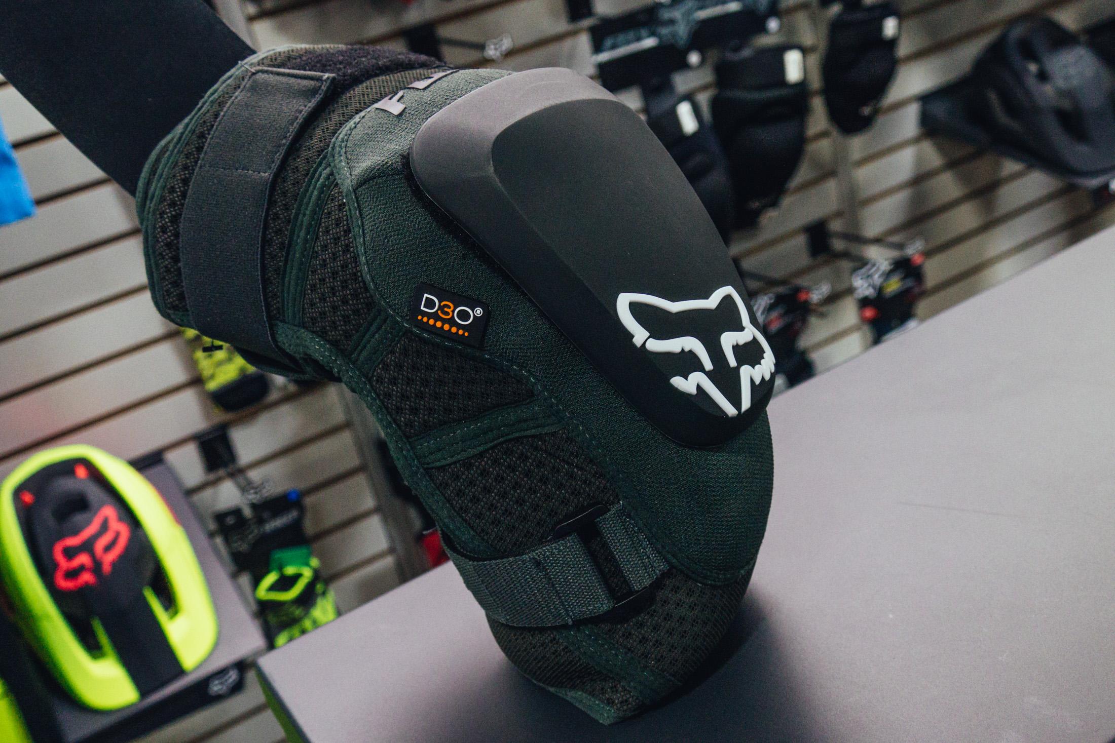 Drag Racing Helmets >> Fox Racing Launch Pro Knee Pads - INTERBIKE - 2017 Mountain Bike Apparel and Protective Gear ...