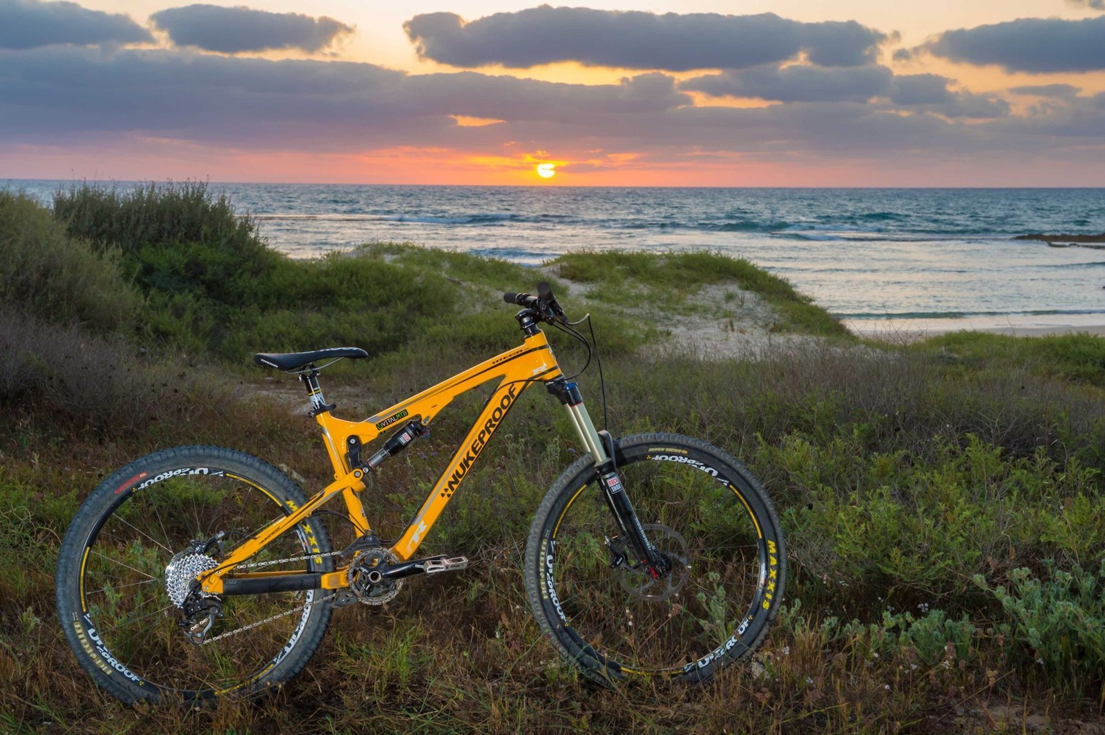 2013 Nukeproof Mega TR - Sunset 2 - iceman2058 - Mountain Biking Pictures - Vital MTB