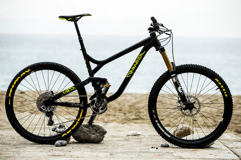 Pro Bike Check: Remy Absalon's Commencal Meta AM 650b - iceman2058 - Mountain Biking Pictures - Vital MTB