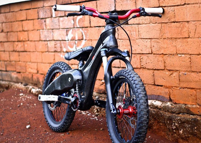 S Full Bt Untitled Shoot on Drag Mini Bike