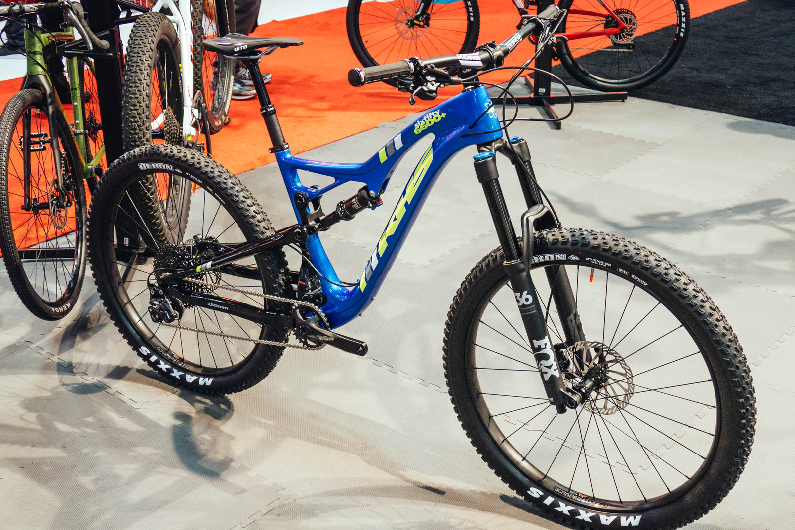 KHS Sixfifty 6600+ Carbon Mountain Bike