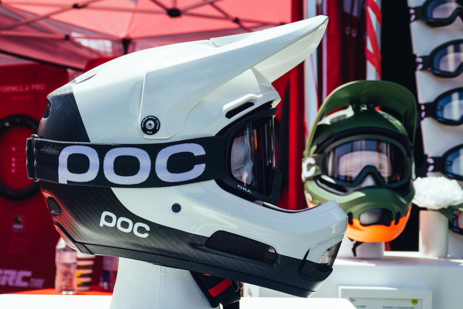POC's Incredibly Clean Coron Air Carbon SPIN Helmet Packs Interesting Tech - Sea Otter Classic