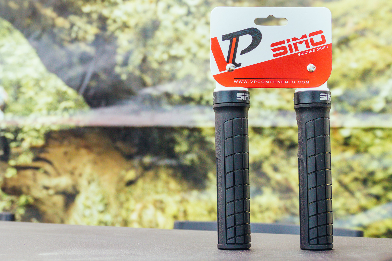 These Silicone Lock-On Grips from VP Components Offer Higher Friction and a Soft Feel - Sea Otter Classic