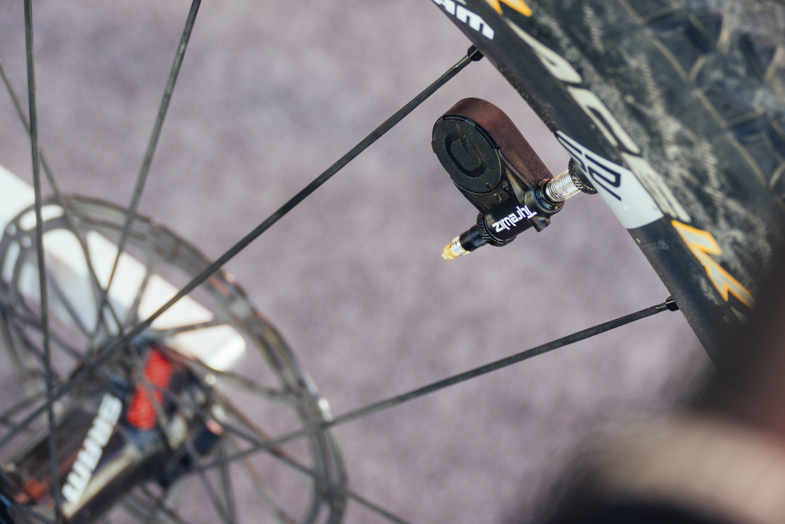 Quarq's TyreWiz Shows Real-Time Tire Pressures - Sea Otter Classic