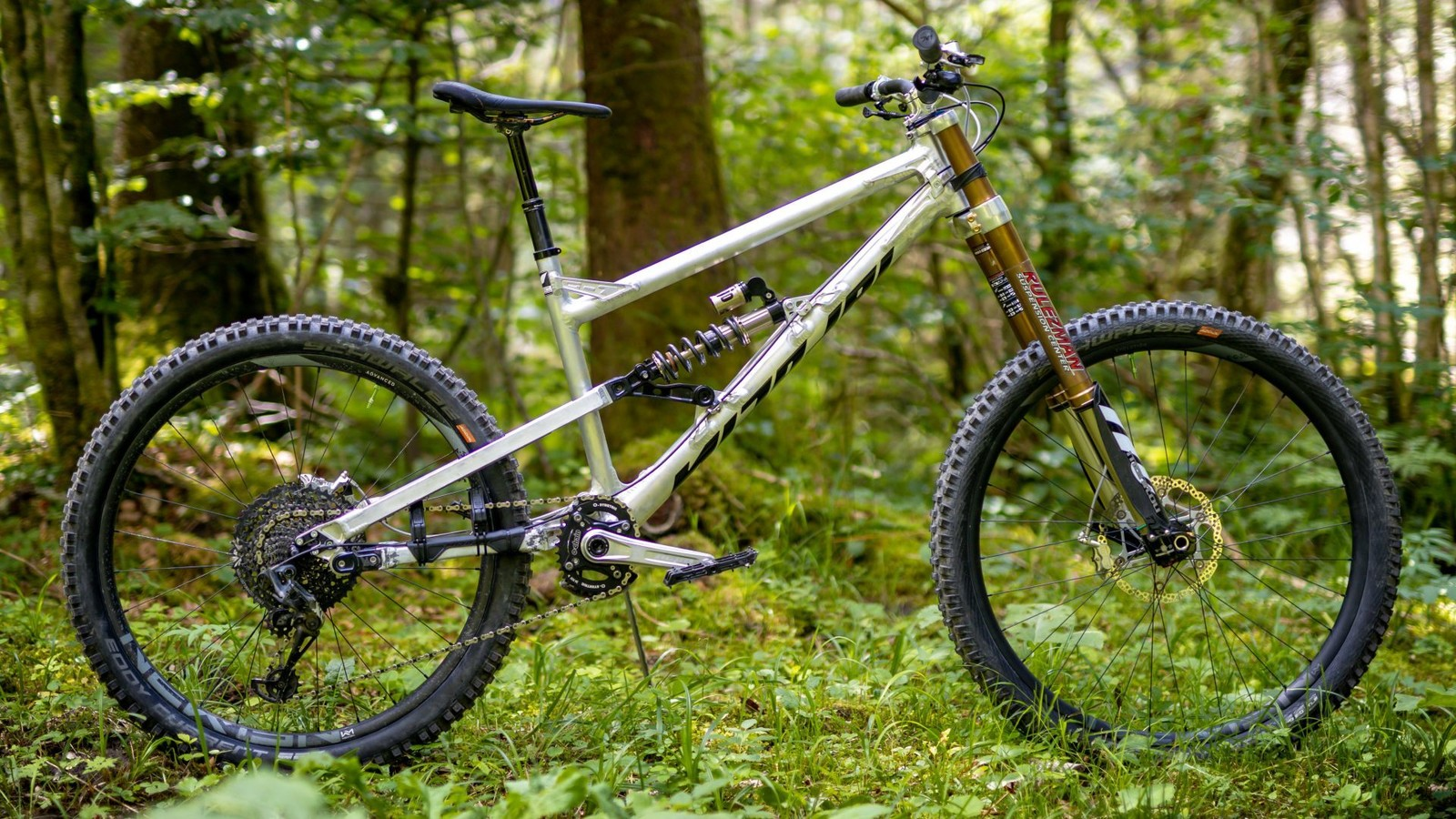 Ultra-Long, 210mm Travel Enduro Machine - Is This the Ultimate MTB?