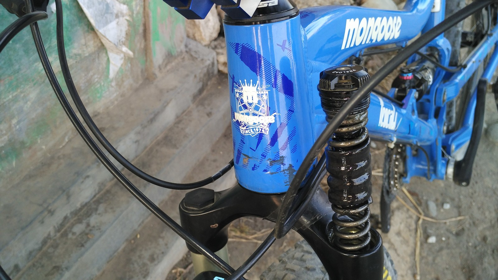 Suntour Auron vs RS Sektor Gold - The Hub - Mountain Biking