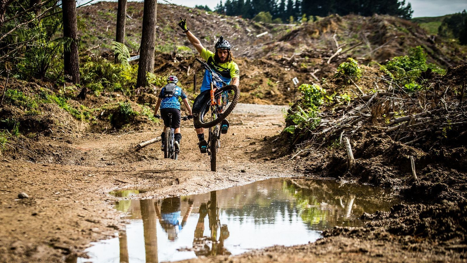 RESULTS: Wyn Masters and Cecile Ravanel Win Rotorua EWS