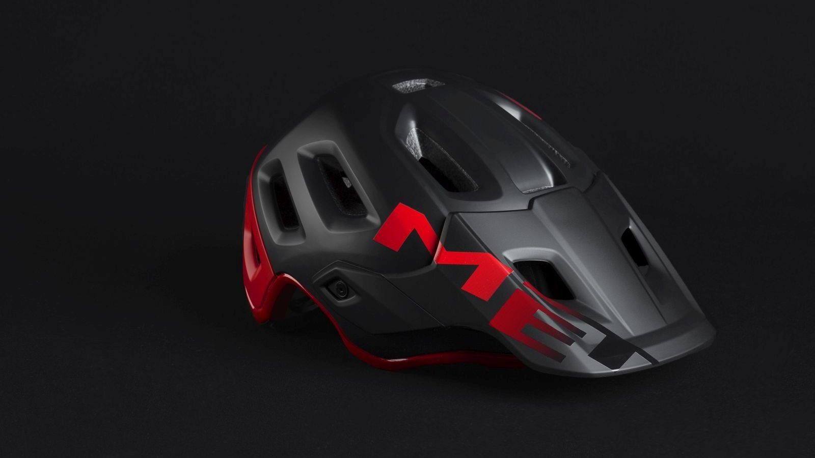 MET Introduces the New Roam Helmet
