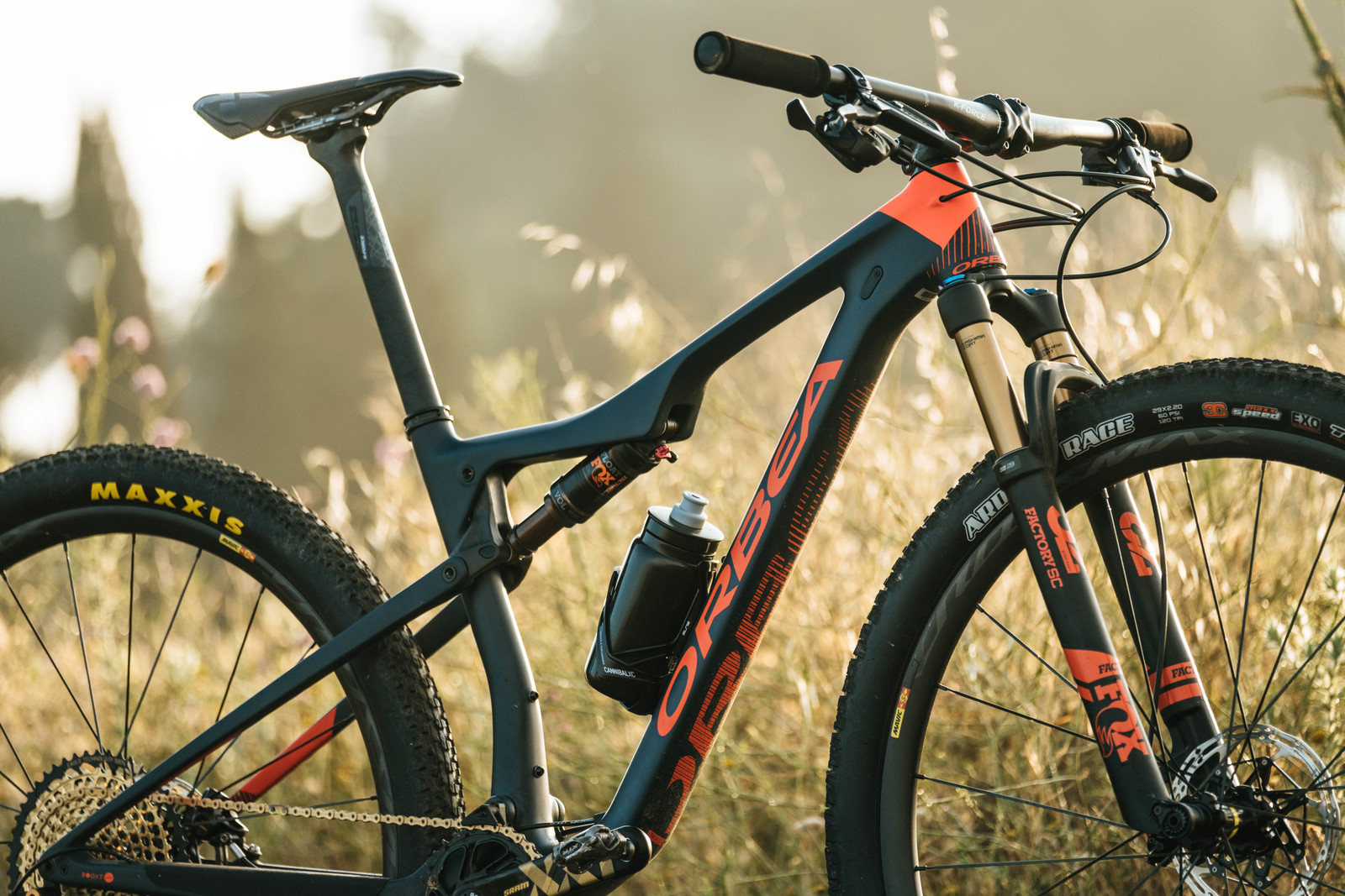 Introducing the 2019 Orbea Oiz - A Revamped XC Bike Aiming for the Top