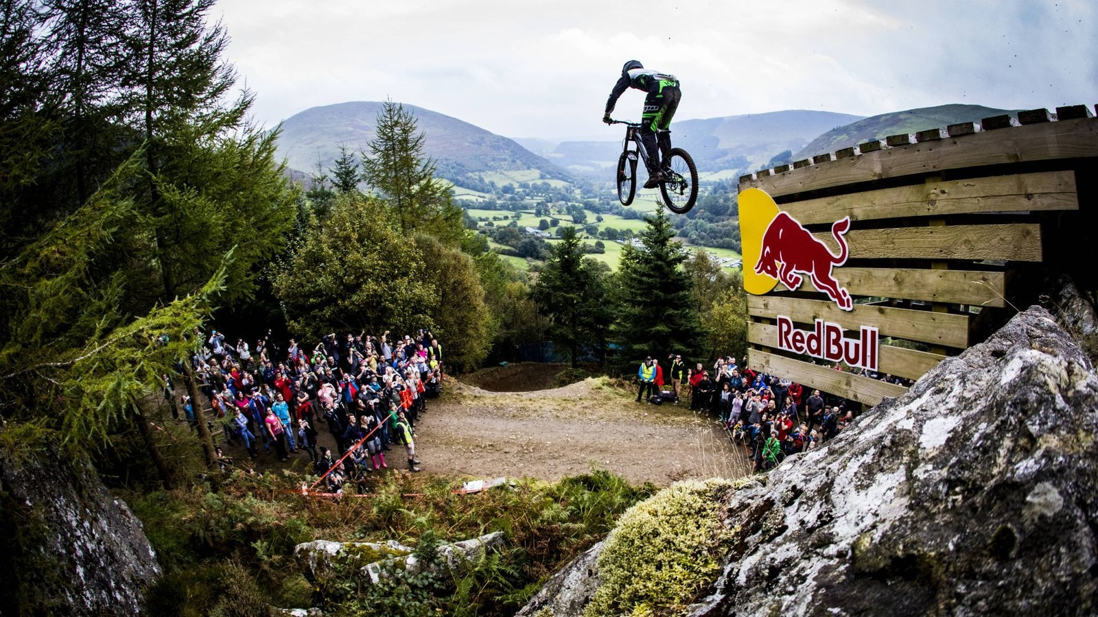 Red Bull Mountain Bike >> Red Bull Hardline Riders Announced Mountain Bikes Press