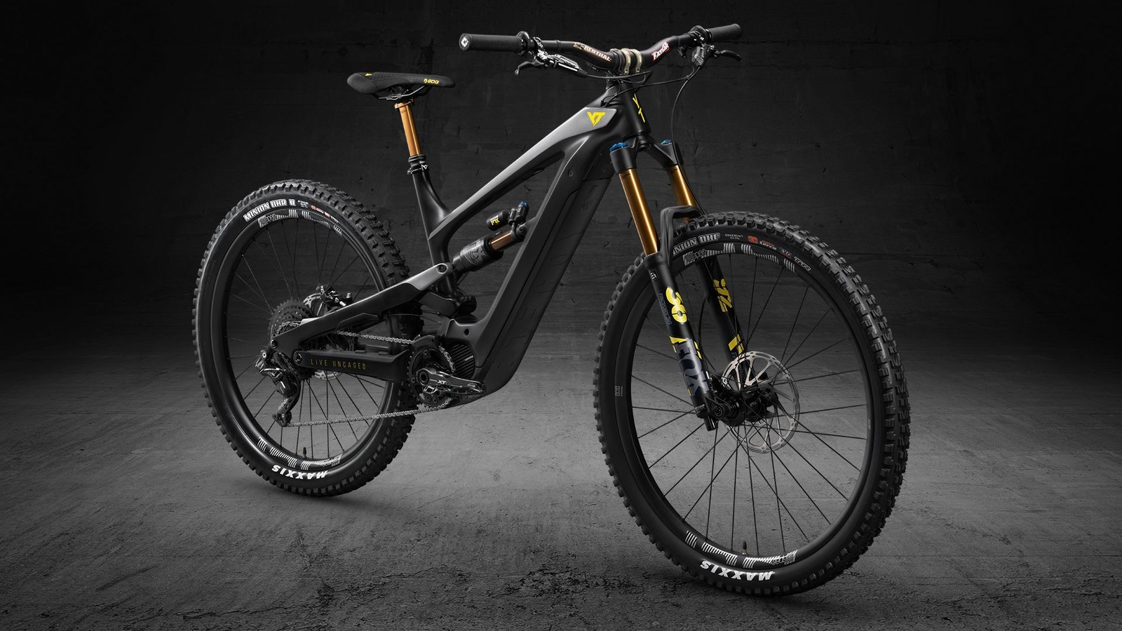 YT Industries Launches Its First E-MTB: The DECOY