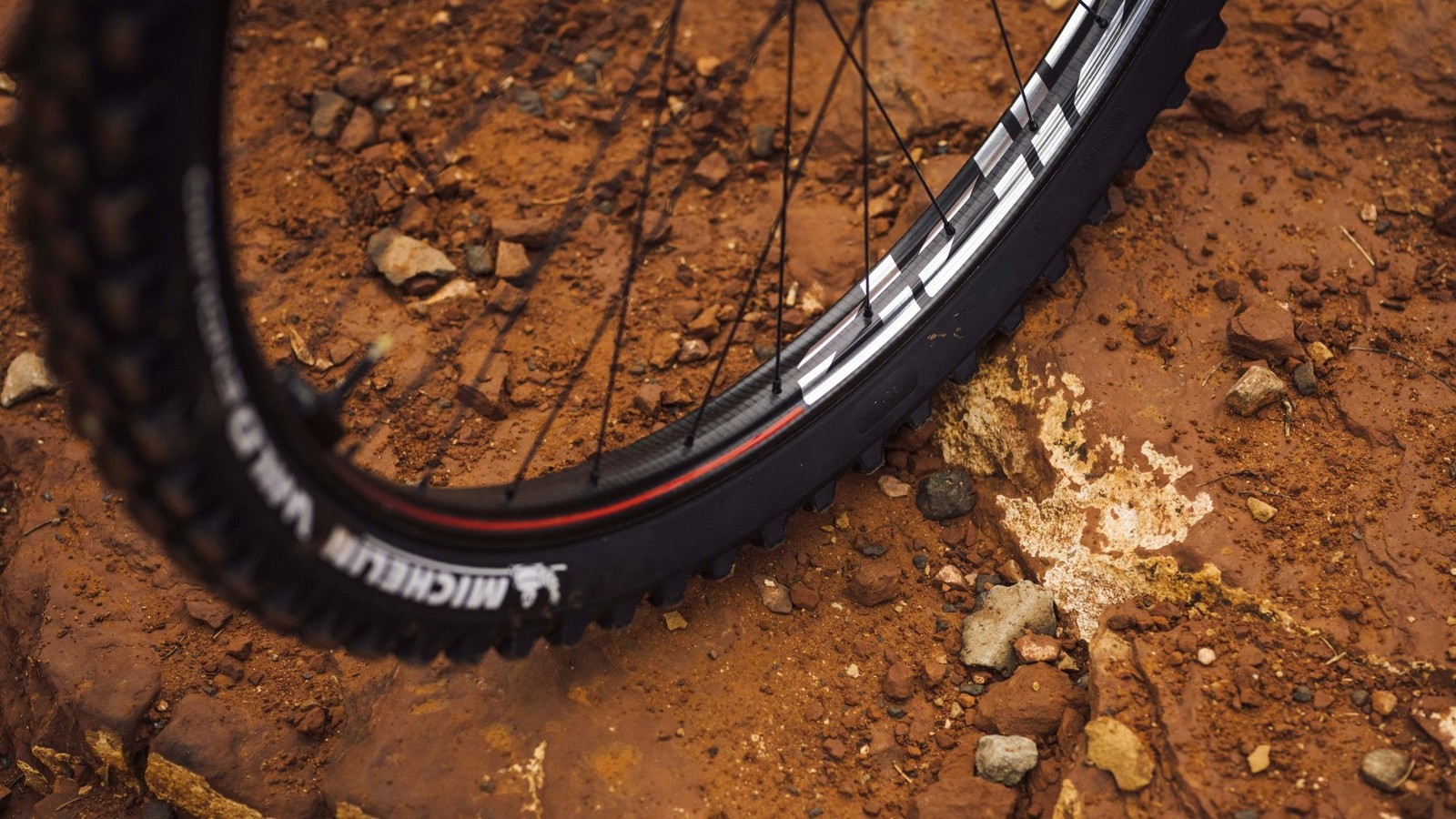 Zipp Enters MTB Wheel Market with Carbon Rim Designed to Deflect