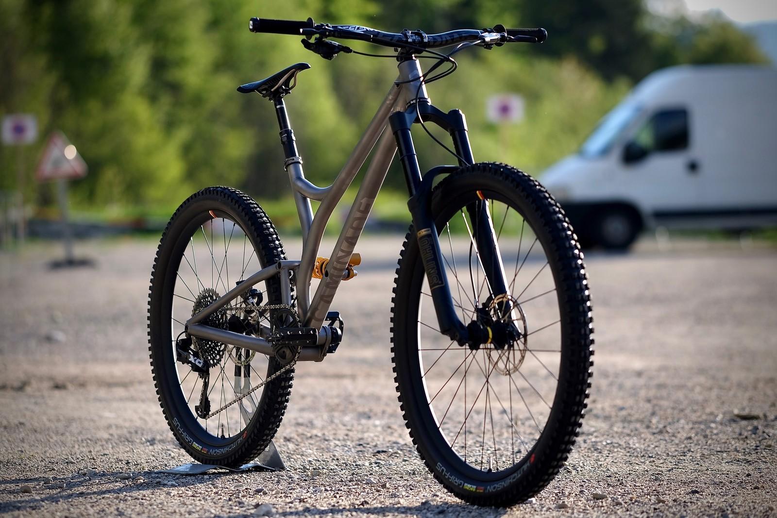 Caminade build his new titanium enduro bike : ChillEasy
