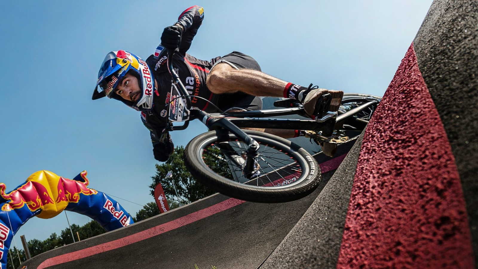 Rainbow Stripes on Offer at Pump Track World Championships