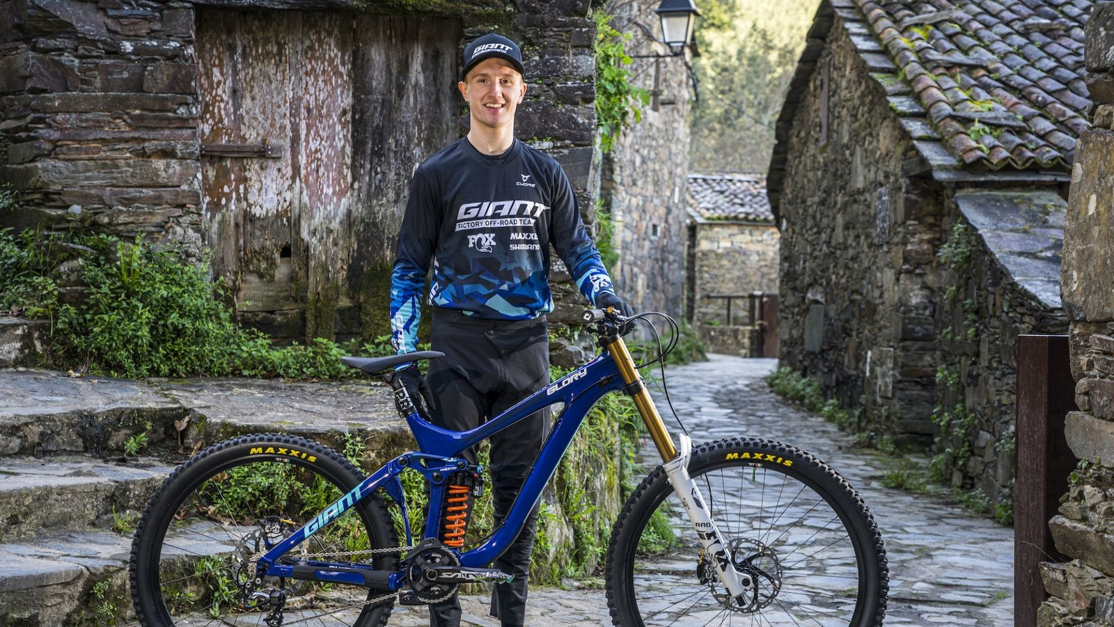 2020 GIANT FACTORY OFF-ROAD TEAM STRENGTHENS WITH MIX OF VETERANS, NEW FACES AND EXPANDED XC SQUAD