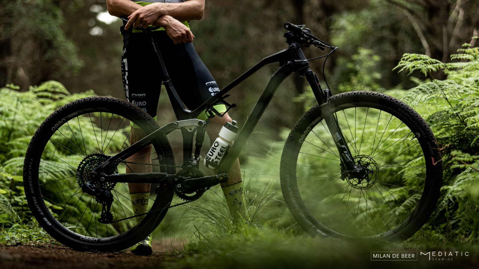 Project MoBu - Pyga's Radical Carbon Bike