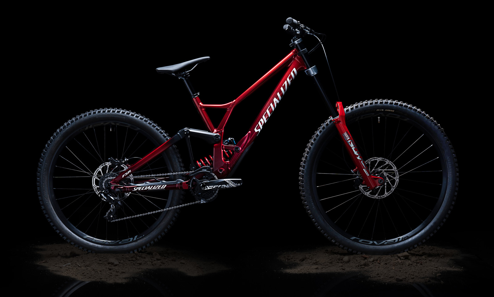 Specialized (Officially) Introduces a Mixed-Wheel Demo DH Bike