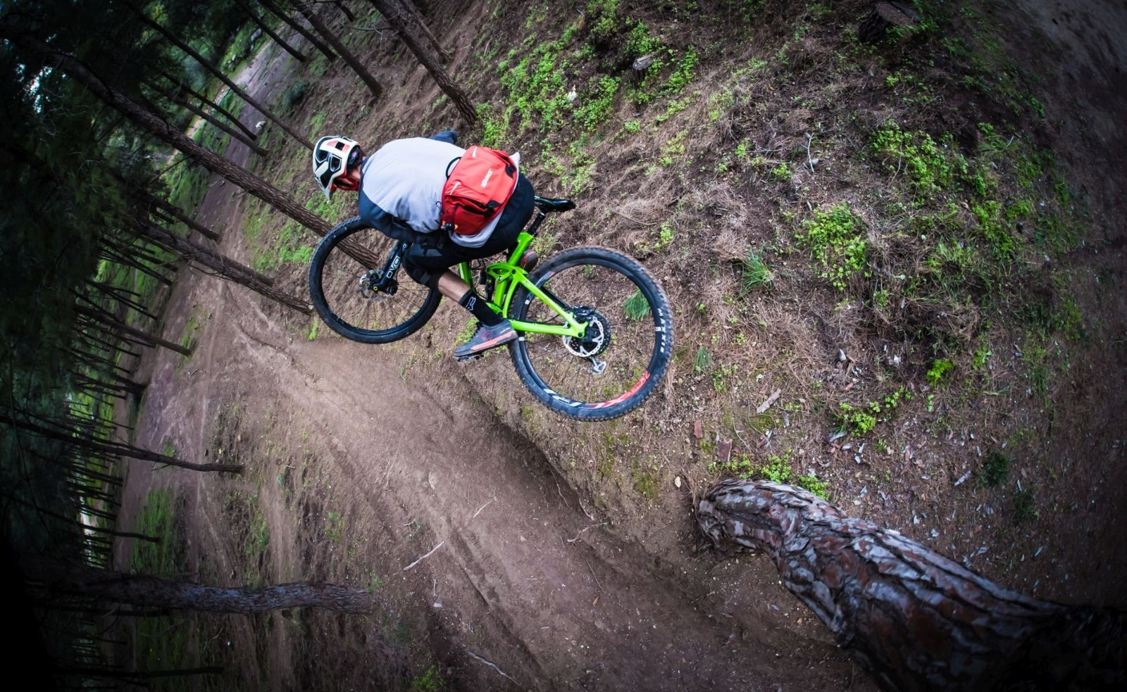 SOURCE Launches New MTB Hydration Backpacks