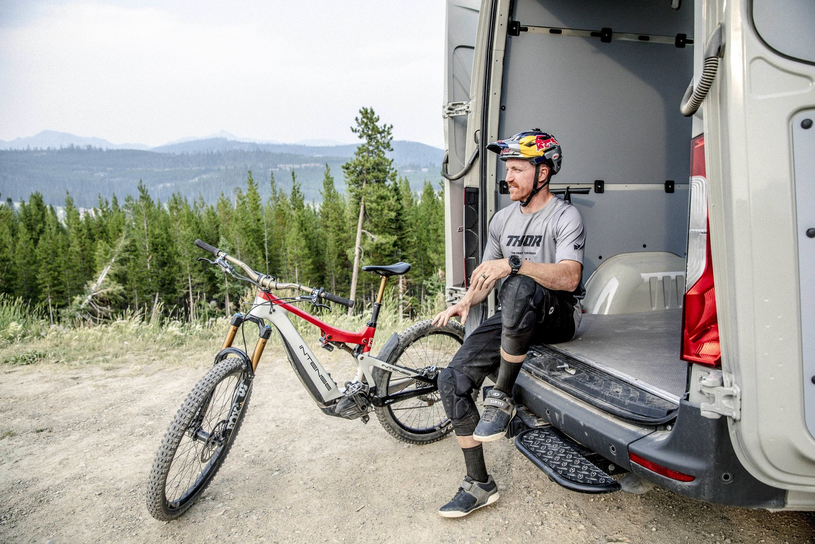THOR MX Launches 2022 MTB Gear Collection