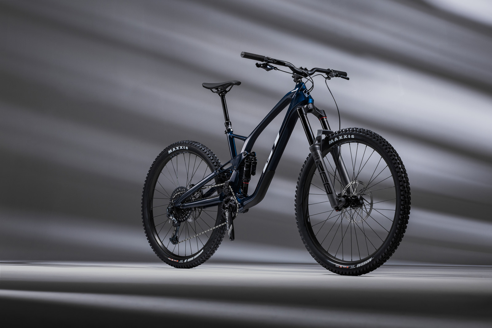 GT Launches All-New 2022 Force Carbon Enduro Machine