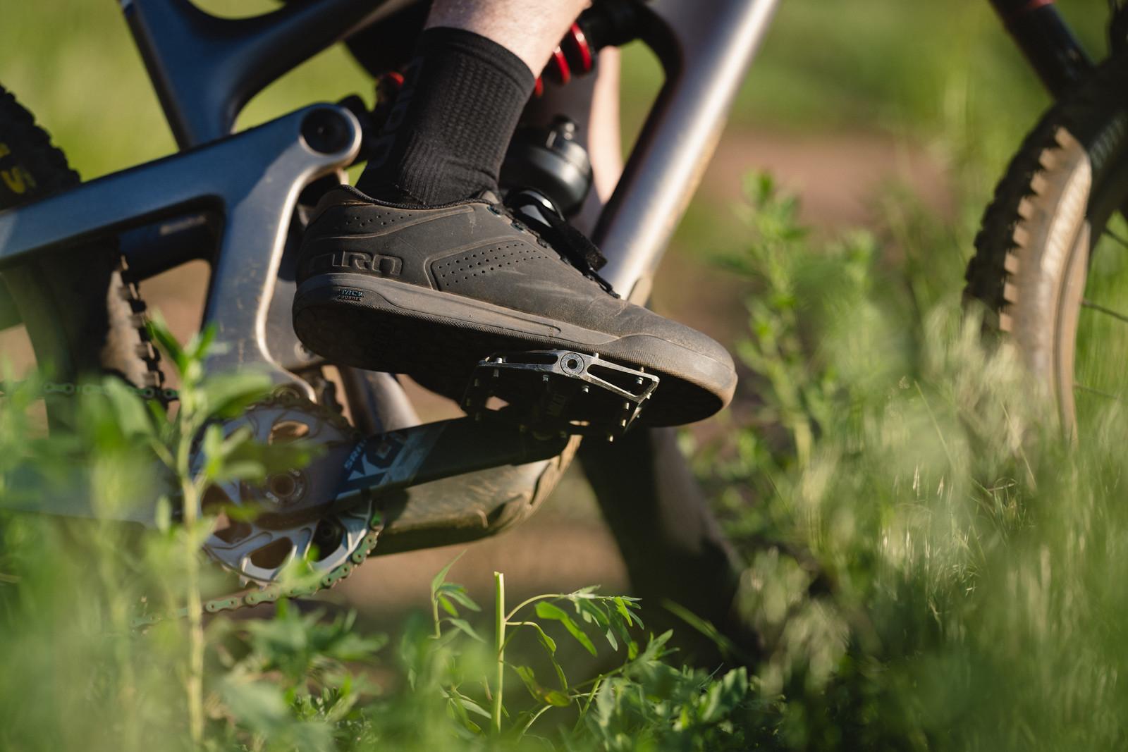 Giro Launches New Latch MTB Flat Pedal Shoe