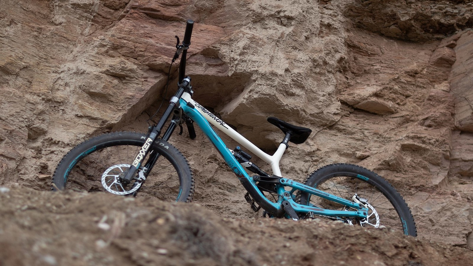 Pro Bike Check: Kyle Strait's Custom Commencal FRS for Rampage