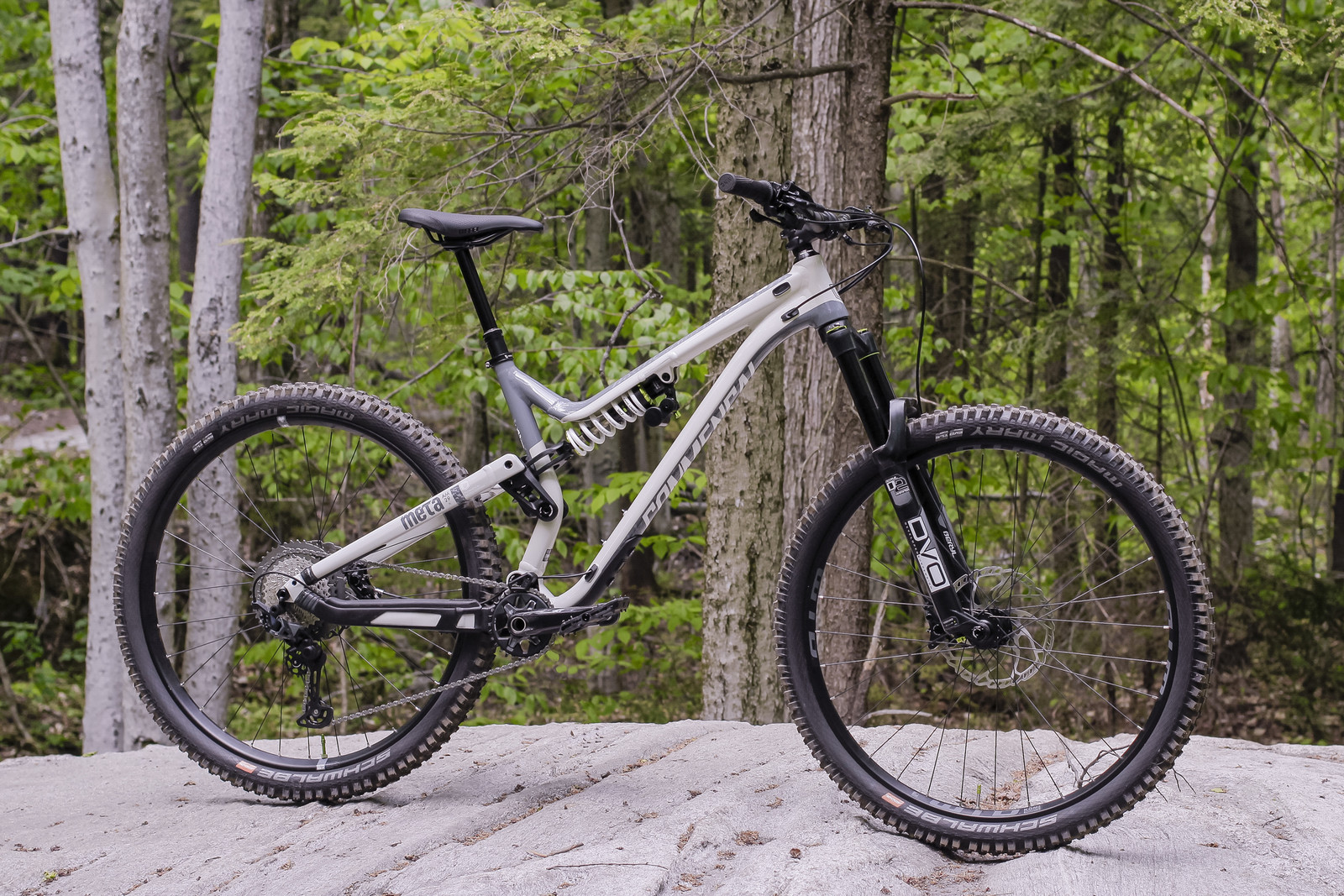 Spectacular enduro/all-mountain frame that's built to last