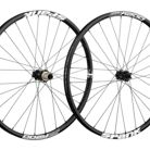 C138_spank_oozy_trail_295_28_hole_wheelset_black