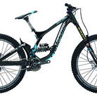 C138_2015_lapierre_dh_team_bike