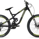 C138_commencal_supreme_dh_v3_650b_wc_2015