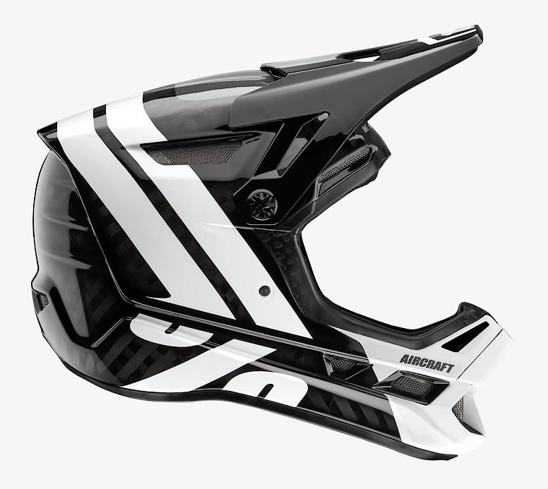 LTD Black LG 100/% Aircraft Composite Full-Face Helmet