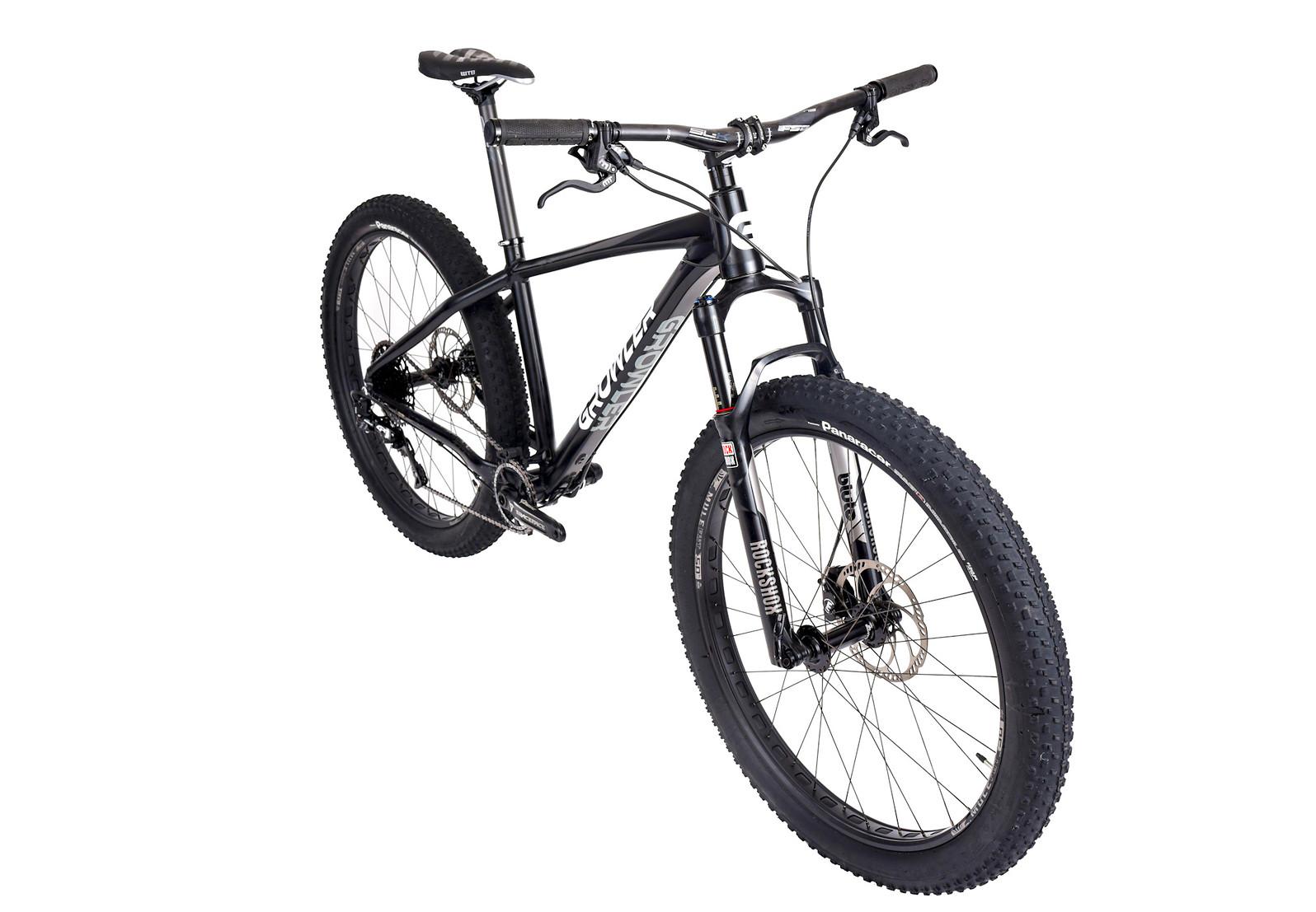 2017 Growler Bikes Mudwasp 27.5+ Bike Growler Mudwasp Front angle 2 White Background