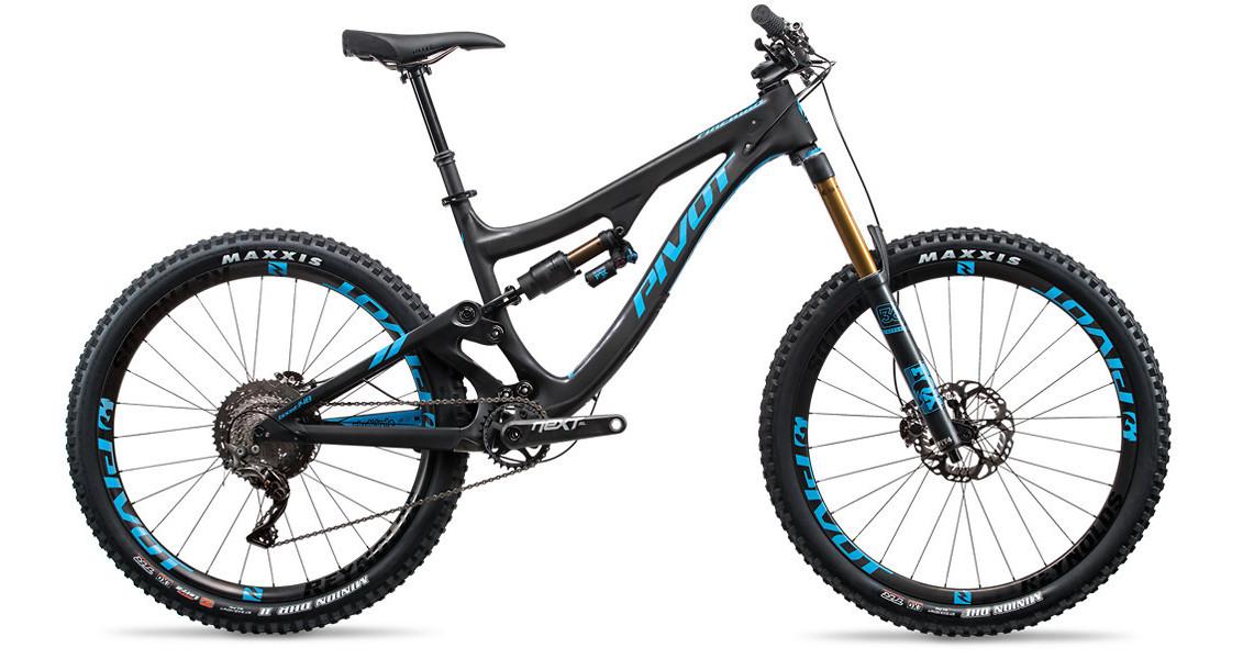 2017 Pivot Firebird Carbon (black/blue with Team XTR 1X)