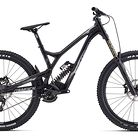 C138_2017_commencal_supreme_dh_v4.2_essential_650b_black