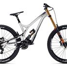 C138_2017_commencal_supreme_dh_v4.2_fox_650b