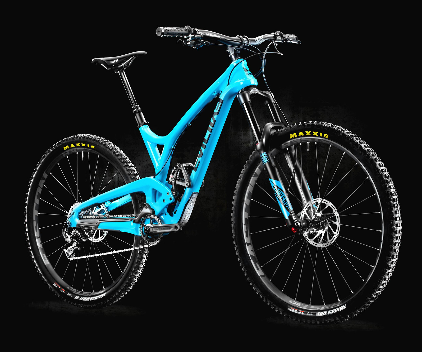 the-wreckoning-x1-blue-three-quarter-front