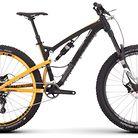 C138_mountain_bikes_17_clutch_2_black_profile