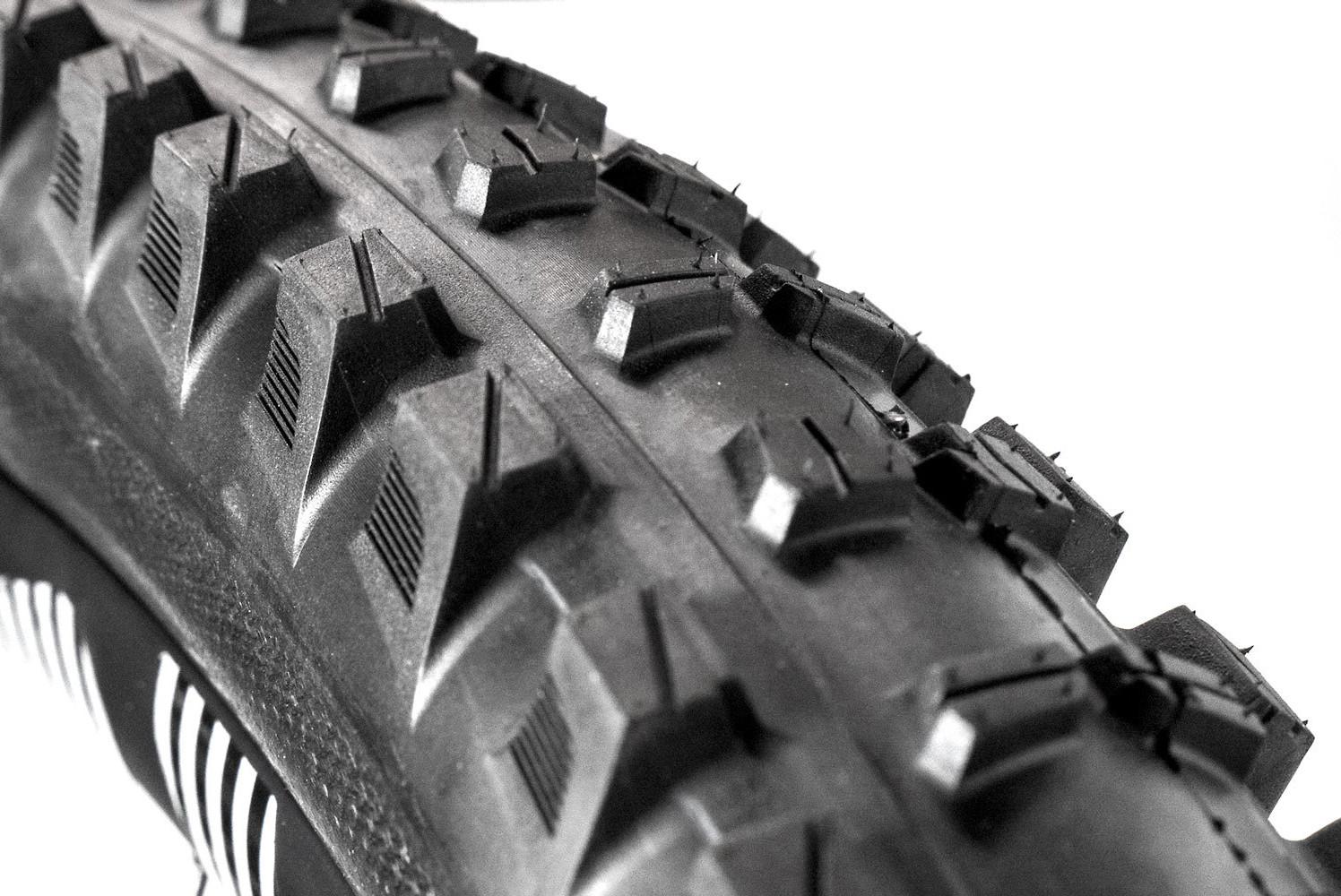 e*thirteen TRS Tire