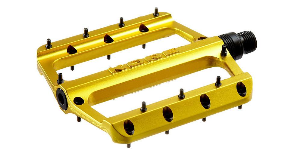 Pedal-Rivera-Gold