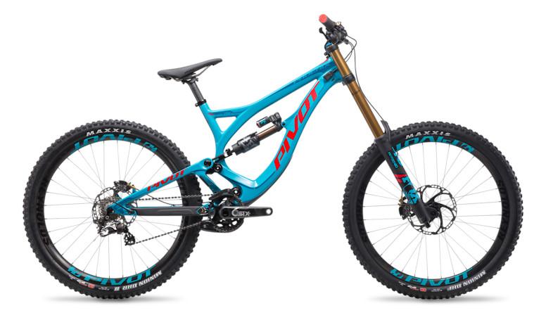 2018 Pivot Phoenix DH Carbon Saint Bike