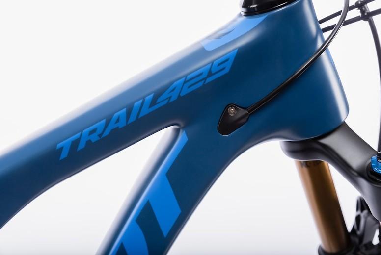 Pivot Trail 429 Detail