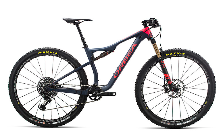 2019-Orbea-Oiz-M10-TR-bike-1A