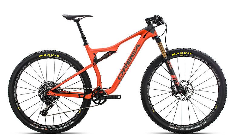 2019-Orbea-Oiz-M10-TR-bike-2A