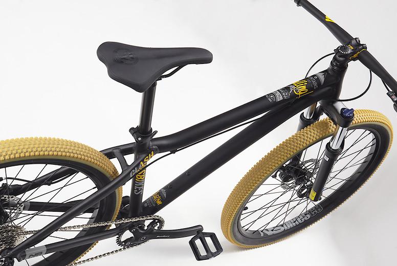 2019 NS Clash Bike