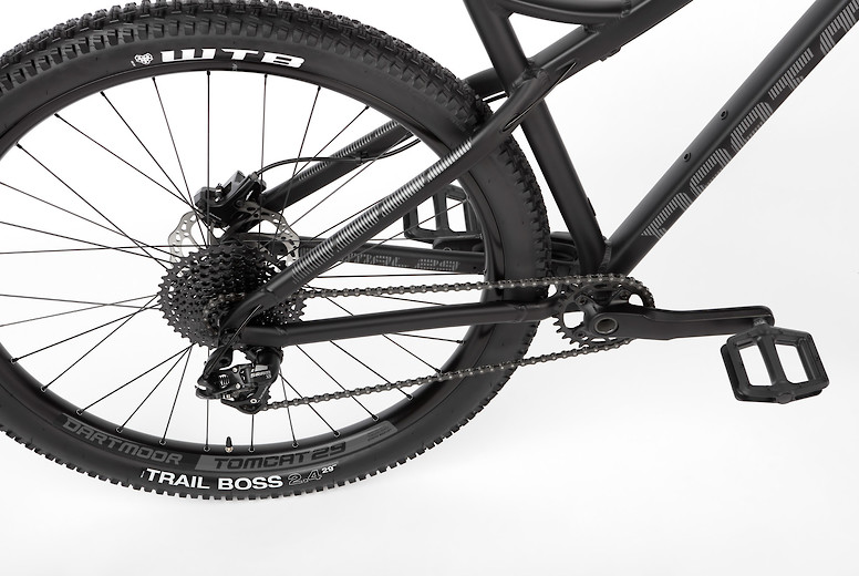 2019 Dartmoor Primal Intro 29 Bike